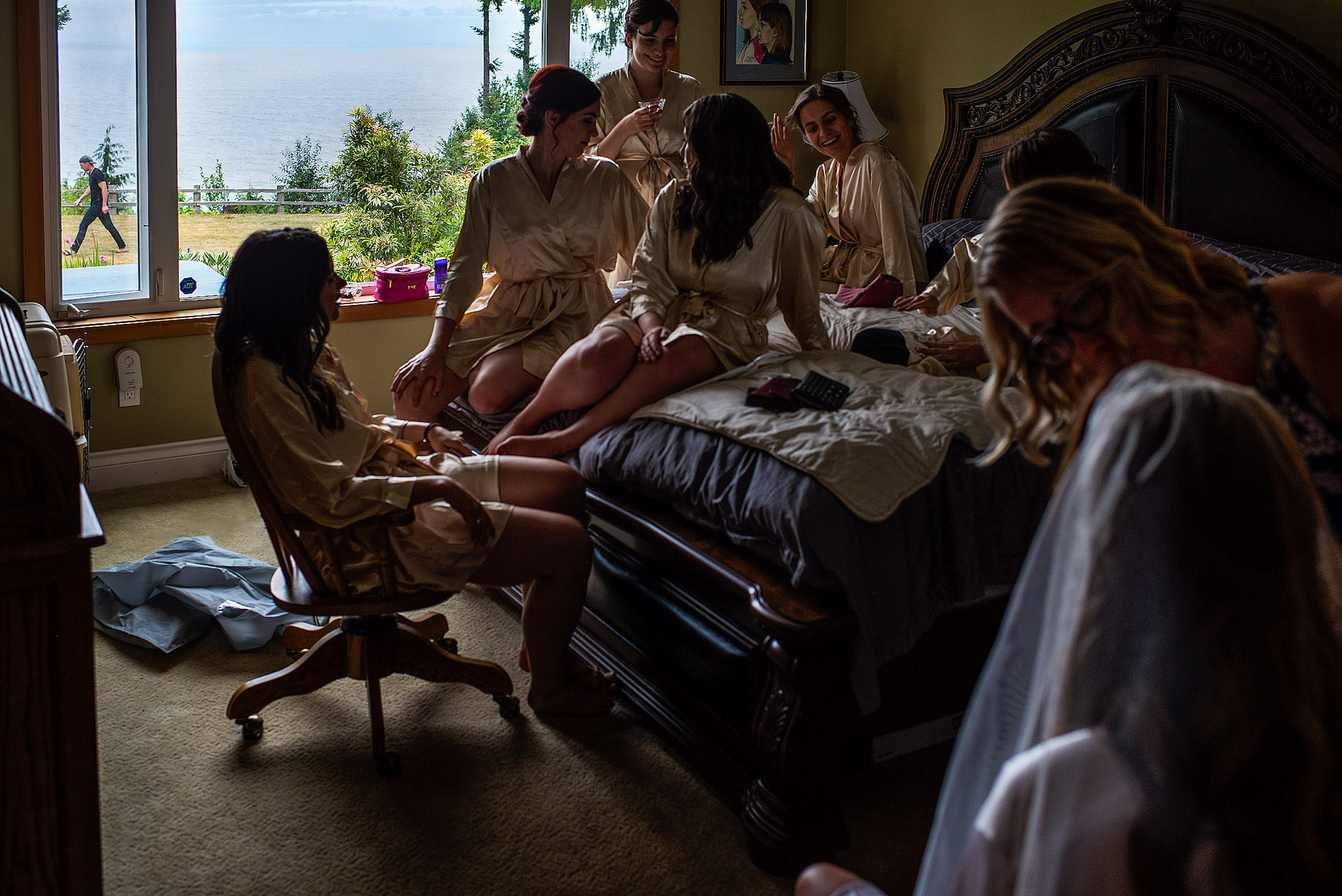 a room of bridesmaids getting ready - Qualicum Wedding Photographer
